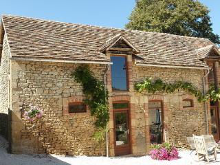 Domaine la Penoterie gîte La Jolie - Montignac vacation rentals
