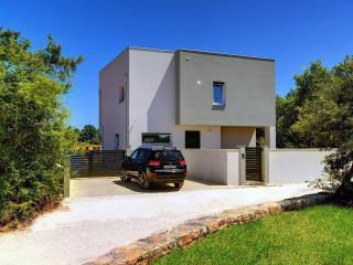 Wonderful 4 bedroom Marcana Villa with Internet Access - Marcana vacation rentals