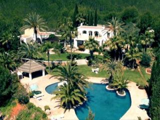 5 bedroom Villa in Santa Eulària Des Riu, Ibiza : ref 2268554 - Es Codolar vacation rentals
