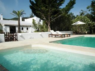 3 bedroom House with Private Outdoor Pool in Sant Joan de Labritja - Sant Joan de Labritja vacation rentals