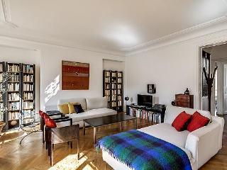 Delightful 3 Bedroom Apartment in Saint Germain - Paris vacation rentals