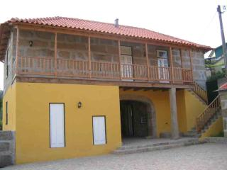 2 bedroom Farmhouse Barn with Internet Access in Valpedre - Valpedre vacation rentals