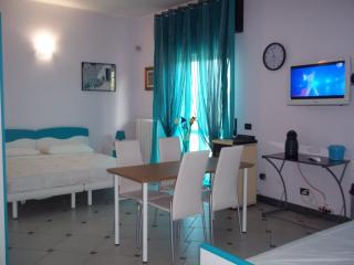 Nice Bed and Breakfast with A/C and Central Heating - Robecco sul Naviglio vacation rentals