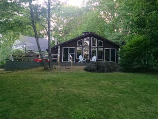 Lovely Cottage with Internet Access and Satellite Or Cable TV - Center Barnstead vacation rentals