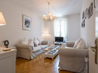 Wonderful 2 bedroom apartment with balcony in Nice Musicians' Quarter - Nice vacation rentals