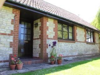 The Bungalow, Lower Church Farmhouse, near Bath - Bath vacation rentals