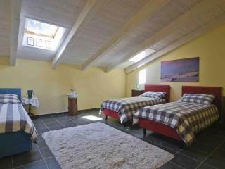 "Casa Nalin appartamento ""Ballo a palchetto"" - La Morra vacation rentals"