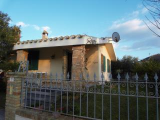 Casa Vacanze Solanas 150mt dal mare - Solanas vacation rentals