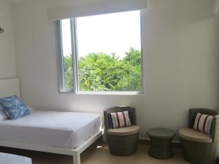 2 bedroom Penthouse with Deck in Akumal - Akumal vacation rentals
