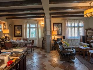Spacious House with Internet Access and Dishwasher - Sarajevo vacation rentals