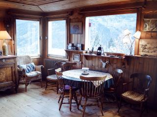 Bright 4 bedroom Ski chalet in Saint Gervais les Bains - Saint Gervais les Bains vacation rentals