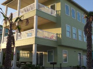 Ocean Lookout: AMAZING VIEWS, Steps to the Beach & Pool, Game Room, Boardwalk - Port Aransas vacation rentals