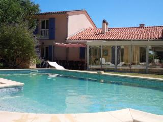 5 bedroom Villa with Internet Access in Mortagne-sur-Gironde - Mortagne-sur-Gironde vacation rentals