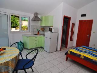 Apartments Livia (studio Green) island of Lastovo - Pasadur vacation rentals