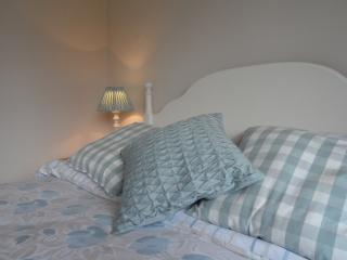 Lovely 1 bedroom Bed and Breakfast in Begbroke with Internet Access - Begbroke vacation rentals