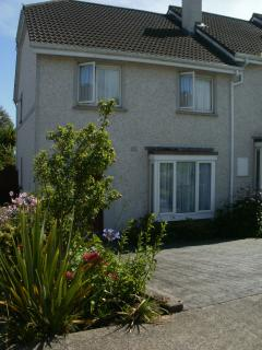 Modern 3 bedroomed house sleeps 6 - Youghal vacation rentals