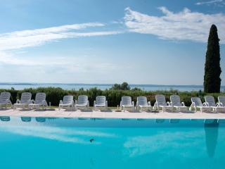 CorteFerrari:2Bdr. Standard,pool, lakeview,balcony - Moniga del Garda vacation rentals