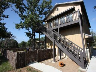 Far View Gasthaus - Country Property with Fire Pit - Fredericksburg vacation rentals