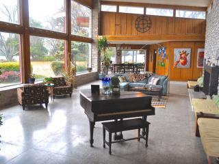 Mid-Century Modern Lakefront Estate: Bay & Beach - Norfolk vacation rentals