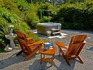 Surf Shack Cabin Private Hot Tub at Chesterman - Tofino vacation rentals