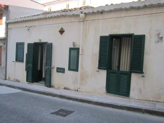 Romantic 1 bedroom Spadafora House with Television - Spadafora vacation rentals