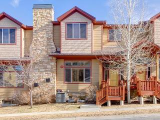 Vintage ski lodge-style townhouse w/hot tub & shared pool! - Park City vacation rentals