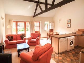HOLLY BERRY, single-storey, en-suite, ample parking, in Fakenham, Ref 24357 - Fakenham vacation rentals