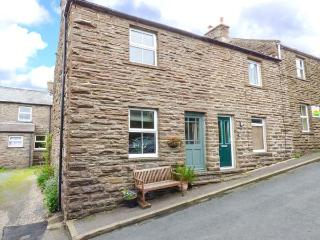 JASMINE COTTAGE, stone-built, woodburner, pet-friendly, ideal for a couple, near Hawes, Ref 925348 - Hawes vacation rentals