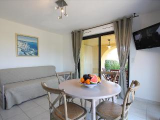 "Bel Appartement ""olivier"" très spacieux avec grand jardin privatif à 5min des - Calvi vacation rentals"