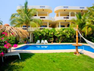 Cozy Condo with Internet Access and A/C - Puerto Escondido vacation rentals