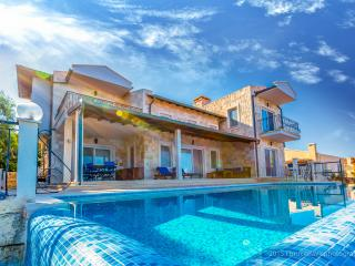 Charming 4 bedroom Villa in Kas - Kas vacation rentals
