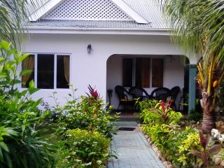 Nice Bungalow with Internet Access and A/C - Port Glaud vacation rentals