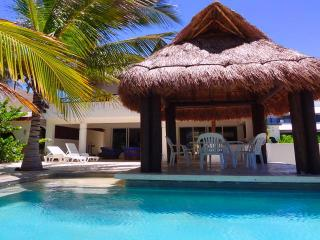 Perfect 3 bedroom Chicxulub House with A/C - Chicxulub vacation rentals