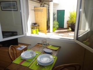 Bright Reze Studio rental with Internet Access - Reze vacation rentals