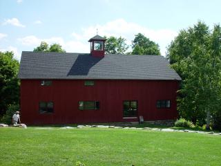 Beautiful Barn with Internet Access and A/C - Craryville vacation rentals