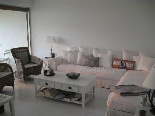 Le Cezanne. Centre, 2 chambres, Garage et vue. - Cassis vacation rentals