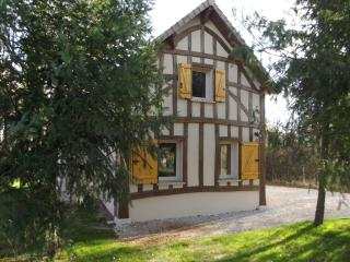 Nice Gite with Internet Access and A/C - Crouy-sur-Cosson vacation rentals