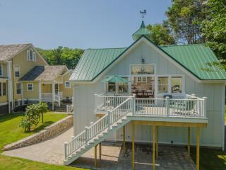 Charming 2 bedroom Haddam Guest house with Deck - Haddam vacation rentals