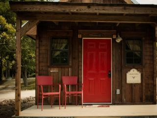 Peacock Cabins Lakota Cabin - Gatesville vacation rentals