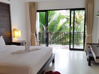 Studio Deluxe with Pool 100m to Beach - Surat Thani vacation rentals