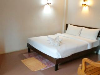 Studio Budget BnB with Pool 100m to Beach - Surat Thani vacation rentals