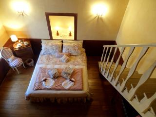 Umbria Romantic getaway B&B room - Amelia vacation rentals
