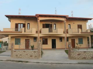 Bed & Breakfast Mare & Luna - Fiumefreddo Bruzio vacation rentals