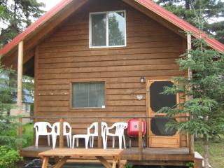 Romantic 1 bedroom Bungalow in Soldotna - Soldotna vacation rentals