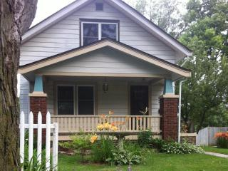 Cozy House with Cleaning Service and Long Term Rentals Allowed - Rockford vacation rentals