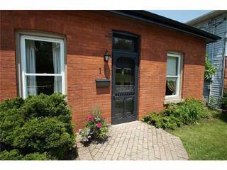 Desjardins Coach House - Dundas - Dundas vacation rentals