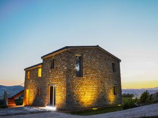 Romantic House in Monte Carotto (an) with Hot Tub, sleeps 4 - Monte Carotto (an) vacation rentals