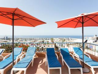 Romantic 1 bedroom Puerto de Mogan Condo with Internet Access - Puerto de Mogan vacation rentals