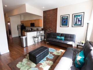 CHIC 2 BEDROOM FLAT IN NYC! - New York City vacation rentals