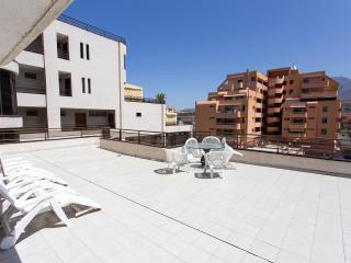 Apartment center Los Cristianos with huge terrace - Los Cristianos vacation rentals